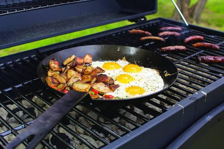 Best Carbon Steel Pans Reviewed